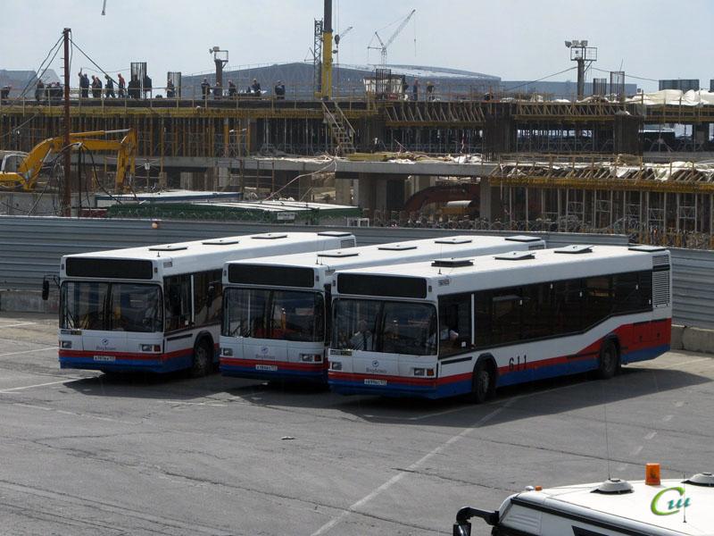 Москва. МАЗ-103 а197вх, МАЗ-103 х699вс, МАЗ-103 а184вх